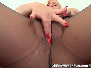 brit grandma Lacey Starr enjoys exposing her big tits and dildoing